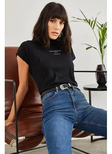 Sortee Kadın Yarım Balıkçı Yazılı T-Shirt Siyah